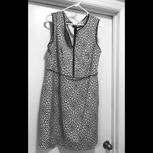 Sleeveless Black and White Geo Print Dress